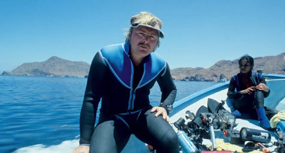 Helmut Debelius in 1977 in the Gulf of California.
