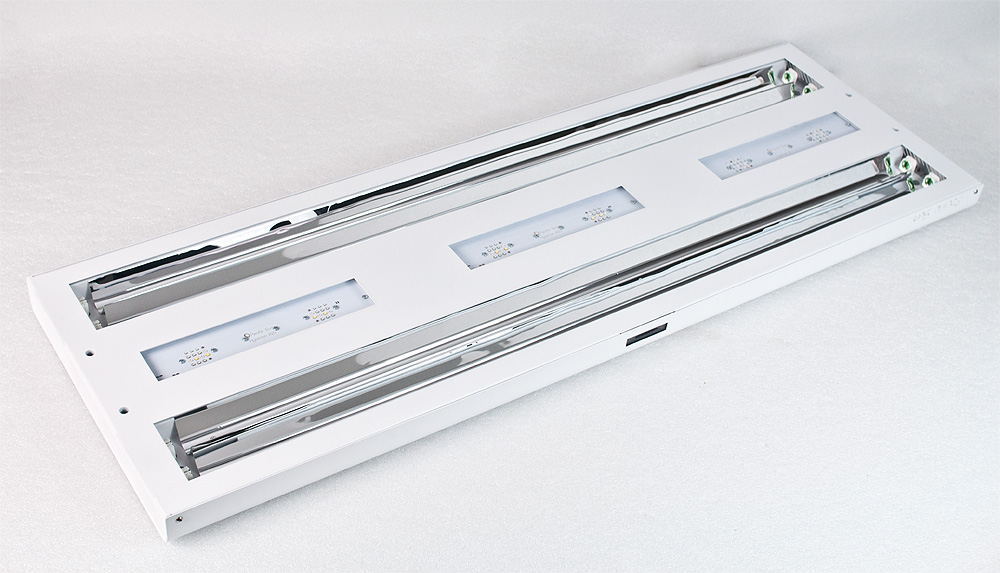 Pacific Sun's Pandora Hyperion R2+ LED and T5 hybrid aquarium light, viewed from below.