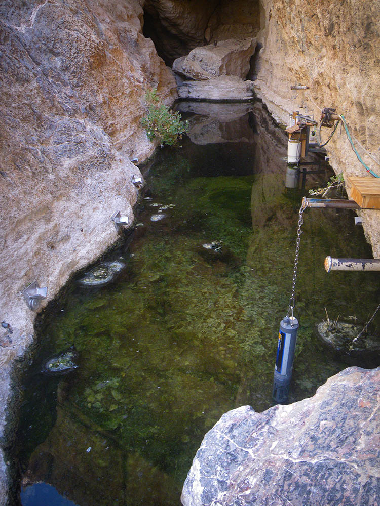 Devils Hole, the sole location of the Devils Hole Pupfish. USFWS | CC BY 2.0
