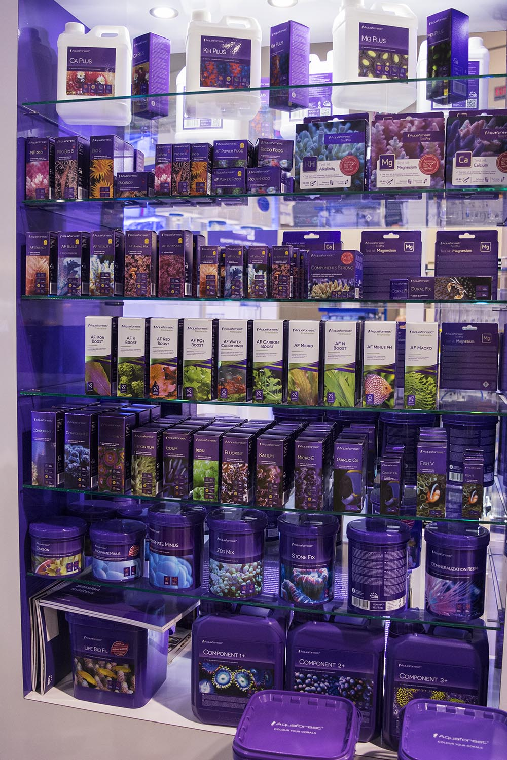 European aquarium product manufacturer Aquaforest continued their push into the US market with an expanded line of salts, supplements, and foods.