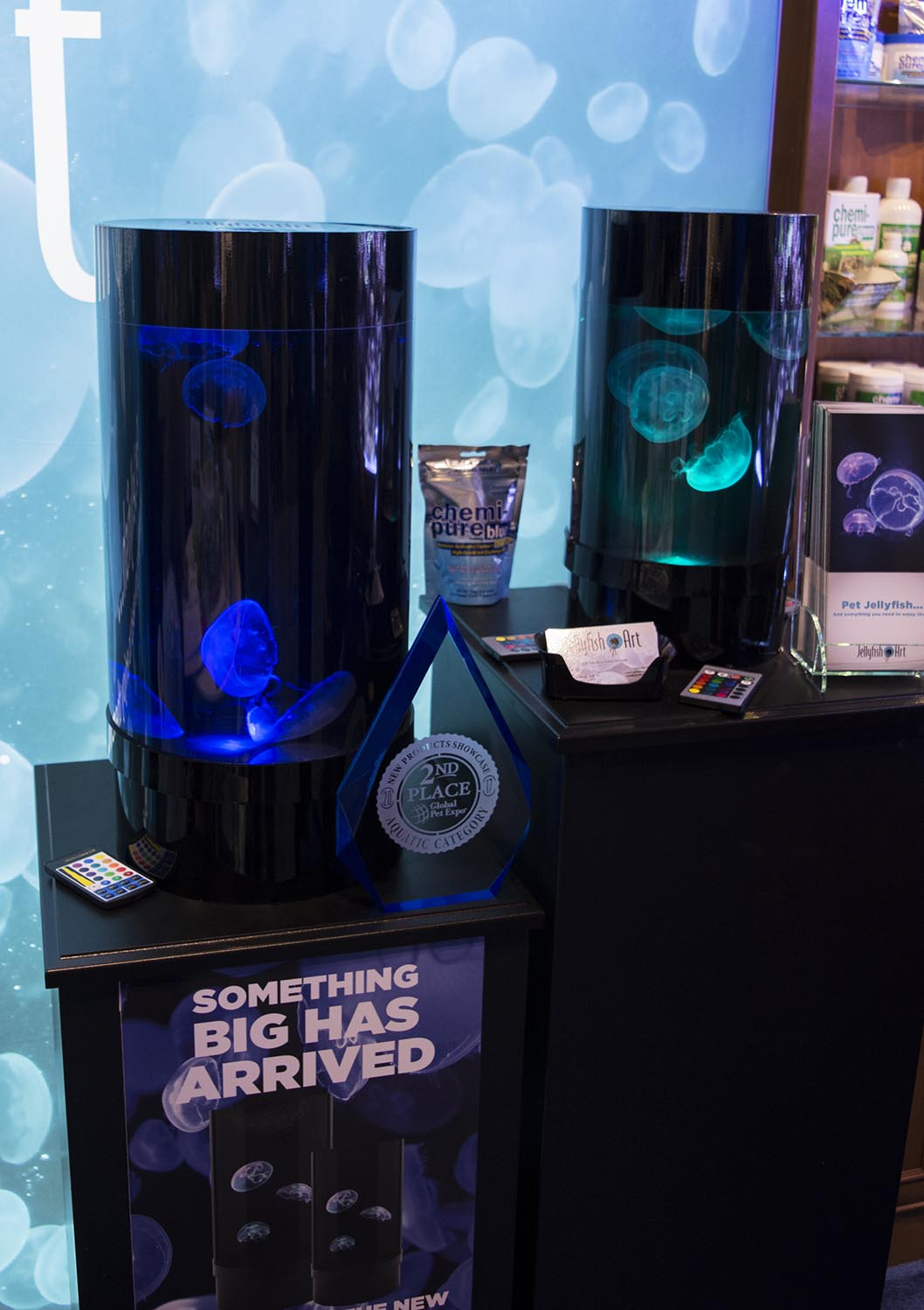 The new 5-gallon jellyfish tank from Jellyfish Art took second place in the new product showcase and seems to be a great upgrade from the smaller original design