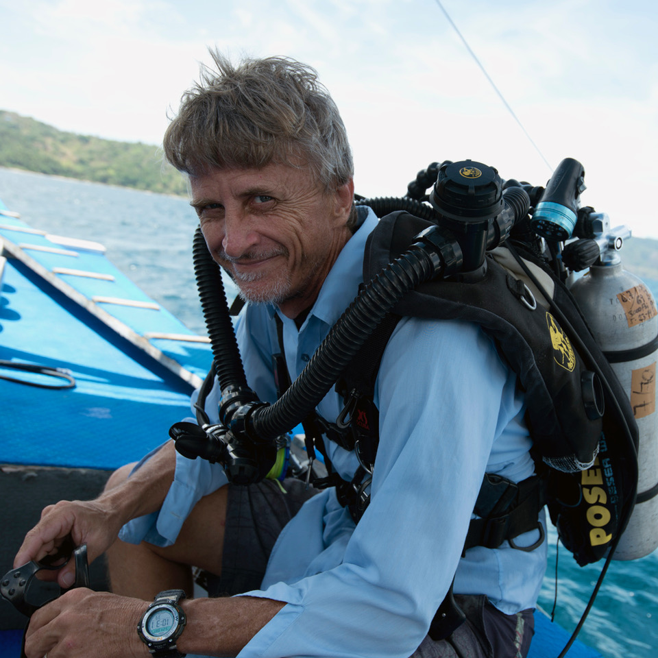Dr. Richard Pyle was born and raised in Hawaii, has worked at Bishop Museum for over 30 years, and has dedicated his life to exploring, understanding, and protecting coral reefs.