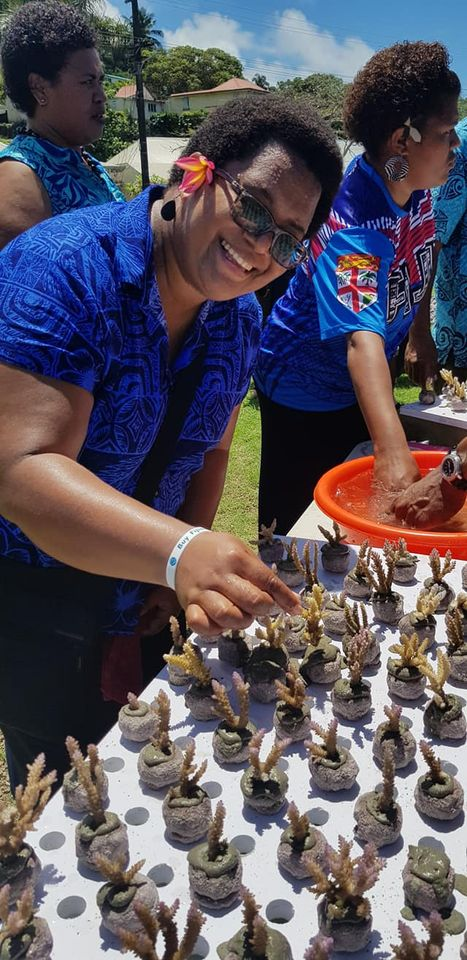 Those in attendance, including Neomai Ravitu, Principal Fisheries Officer Western, had the opportunity to create 400 new coral fragments for grow out and future propagation, taking only an hour to complete. Only 999,600 more to go!