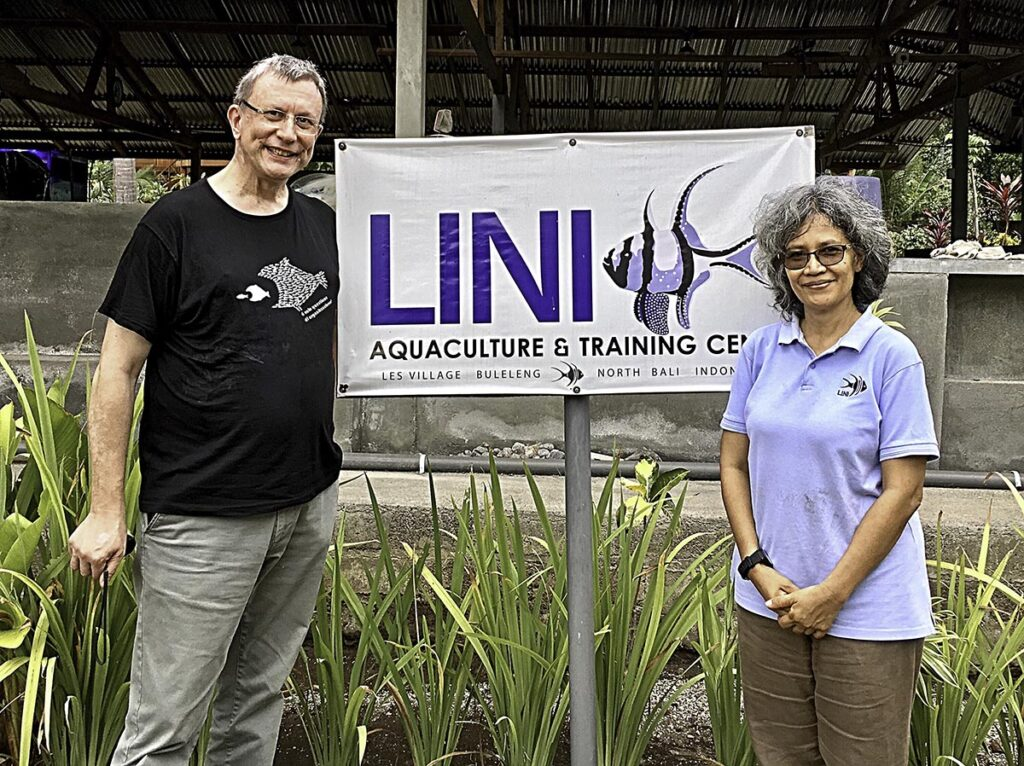 An important part of fighting for a sustainable aquarium trade is to have conservation interests close at heart. Among the many organizations, Svein Fosså collaborates with is LINI in Bali, Indonesia. To the right is LINI's founder and CEO, Gayatri Reksodihardjo-Lilley.